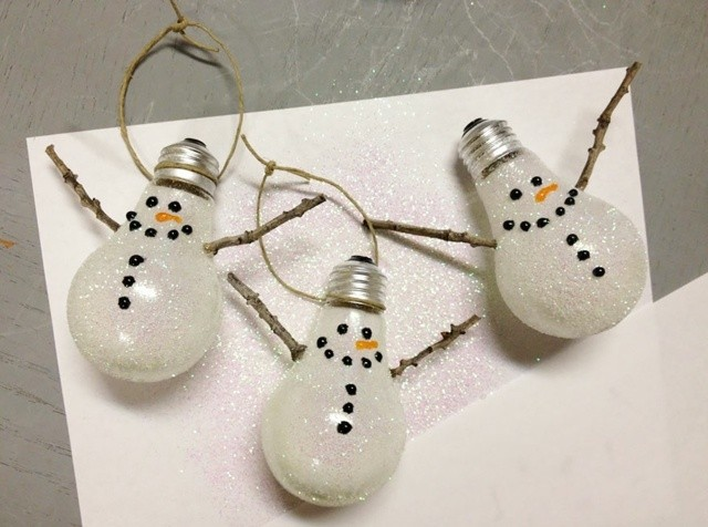 bonhommes neige recyclage de verre ampoules usagees
