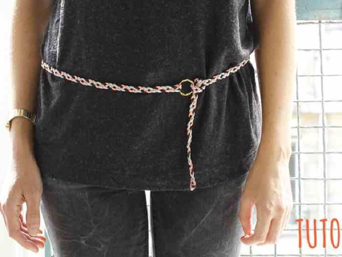 La ceinture tressée en suédine