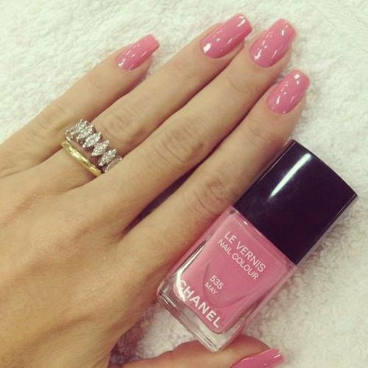 decoration ongles rose pastelle