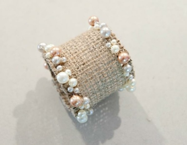 joli delicat rond serviette perles bijoux table deco