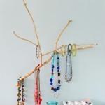 Porte-bijoux branche : élégant et facile à faire