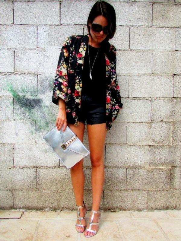 blouson couleur noir motifs floraux