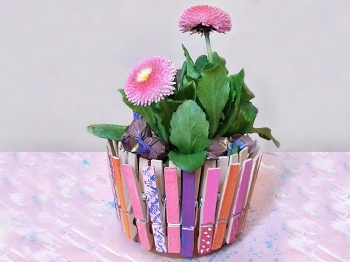 Fabriquez un chache-pot en pinces à linge