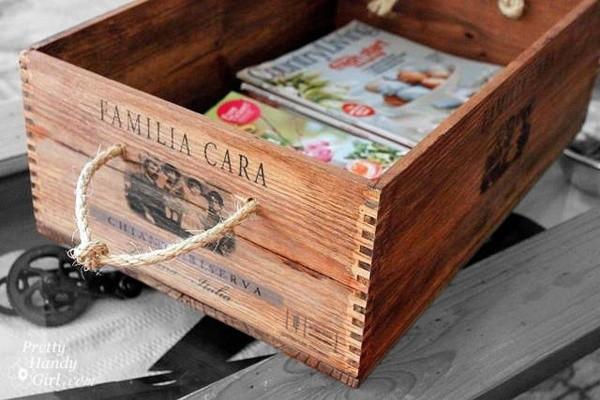 Caisse de vin pour ranger livres et revues