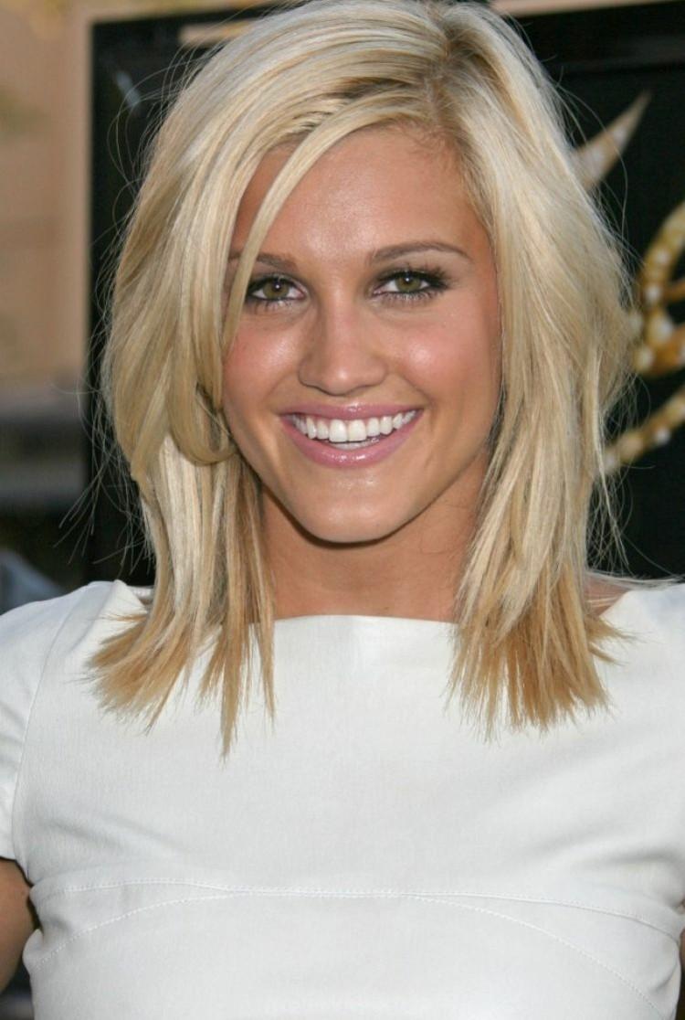coiffures ete heveux courts frange