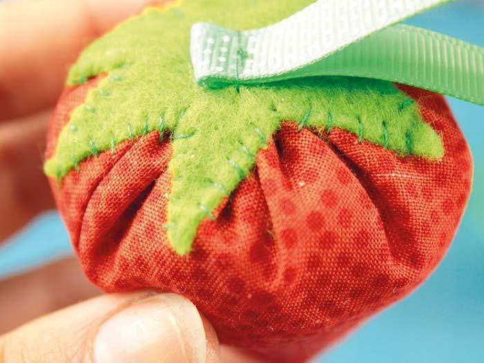 DIY fraise en tissu etape 9