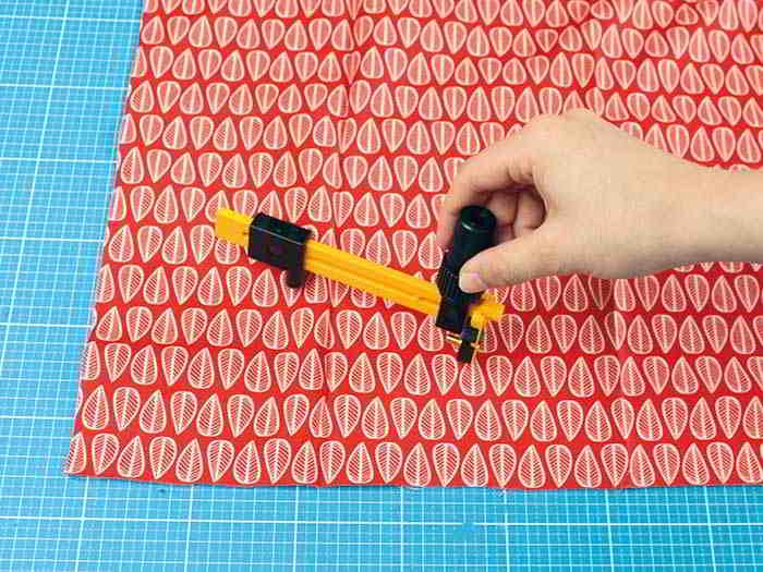 DIY fraise en tissu etape 1