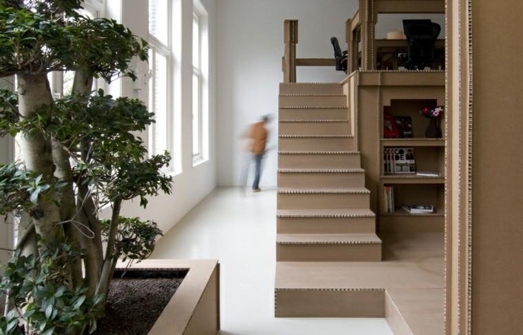 escalier en carton