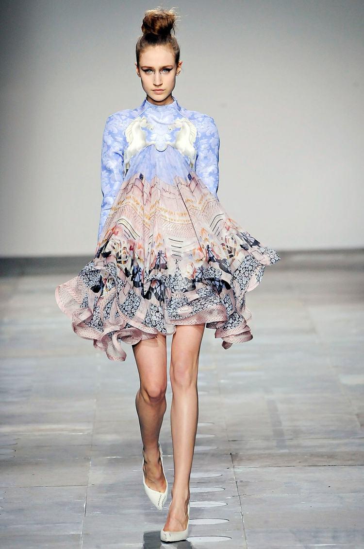 robe dété florale elegante Mary-Katrantzou
