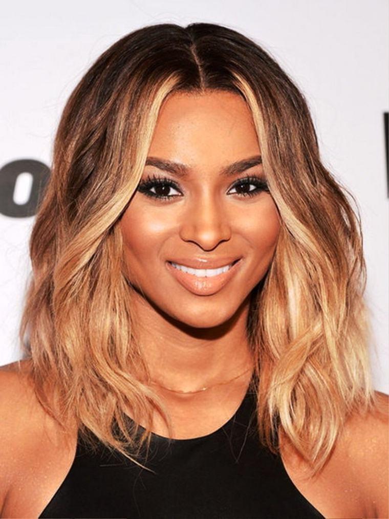 coupe cheveux mi long pour femme noire