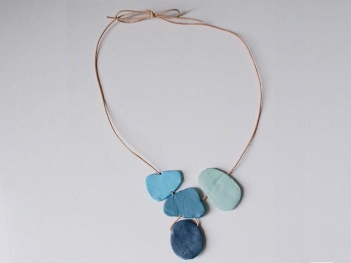 Créer un collier galets