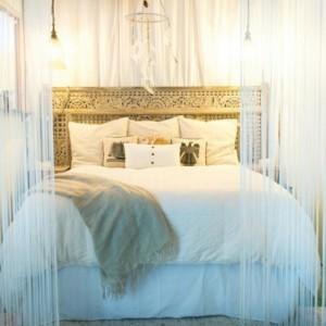 Pin t te de lit orientale et porte marocaine on pinterest - Tete de lit porte ...