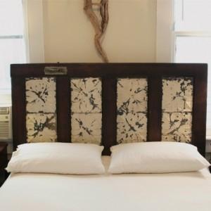 fabriquer une t te de lit en bois avec une porte la maison diy. Black Bedroom Furniture Sets. Home Design Ideas