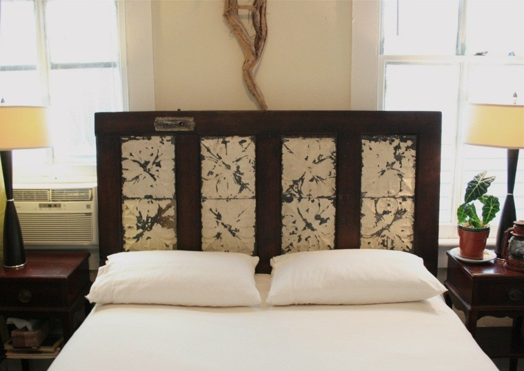 fabriquer une tete de lit en bois porte noir blanc
