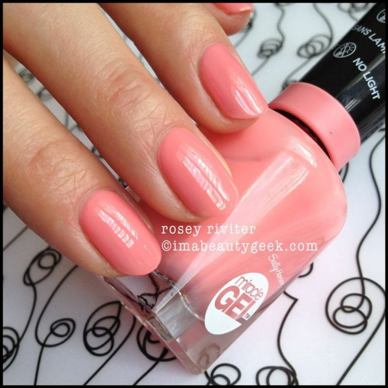 ongles-en-gel-deco-idee-rose