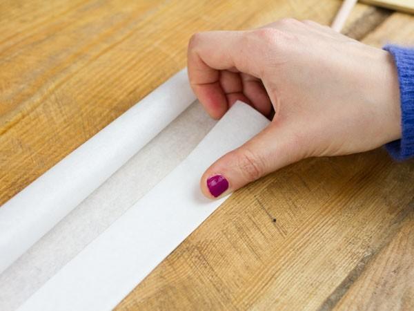tisser une corbeille en papier etape 3
