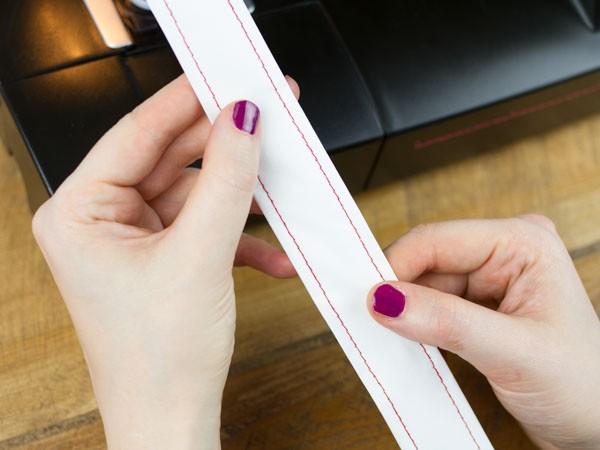 tisser une corbeille en papier etape 5