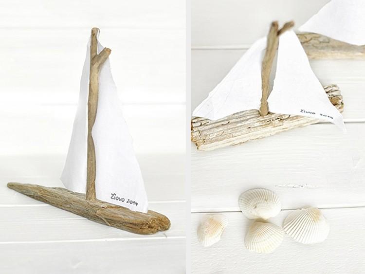 Le bateau en bois flotté