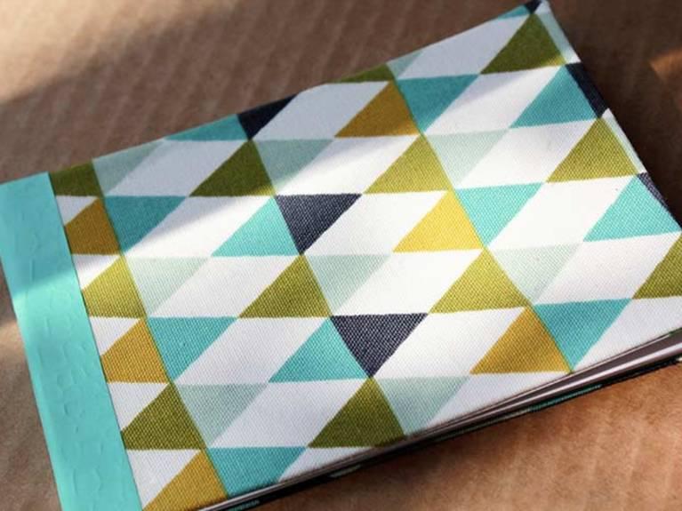 Fabriquer un carnet de notes avec couverture en tissu