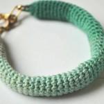 Faire un bracelet avec un dégradé de couleurs au crochet