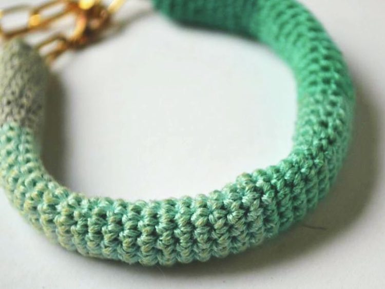 bracelet avec un dégradé de couleurs