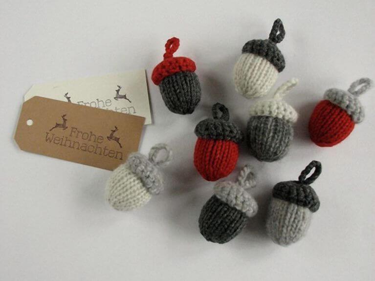 Tricoter et crocheter des glands pour décorer vos cadeaux