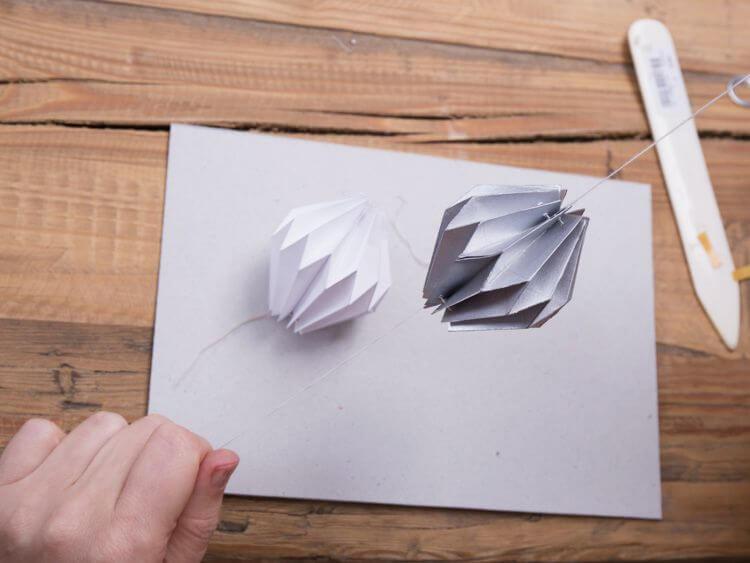 boule de Noël en origami 8