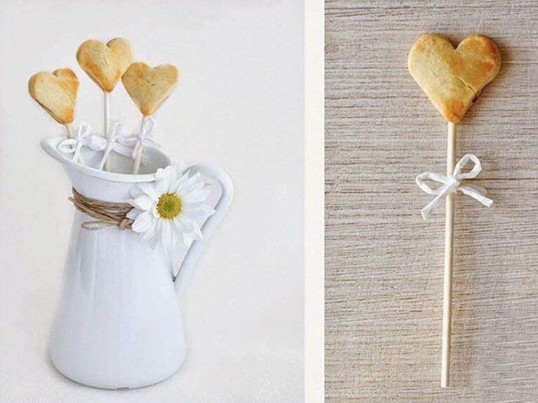 Faire des biscuits bâtonnets en forme de cœur