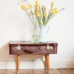 Faire une table de nuit & partir d'une vieille valise