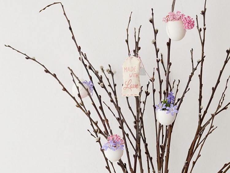 Fabriquer de petits vases suspendus en coquille d'œuf