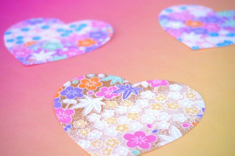 coeurs-papier-saint-valentin-deco-idee-vase-suspension-diy-original-idee