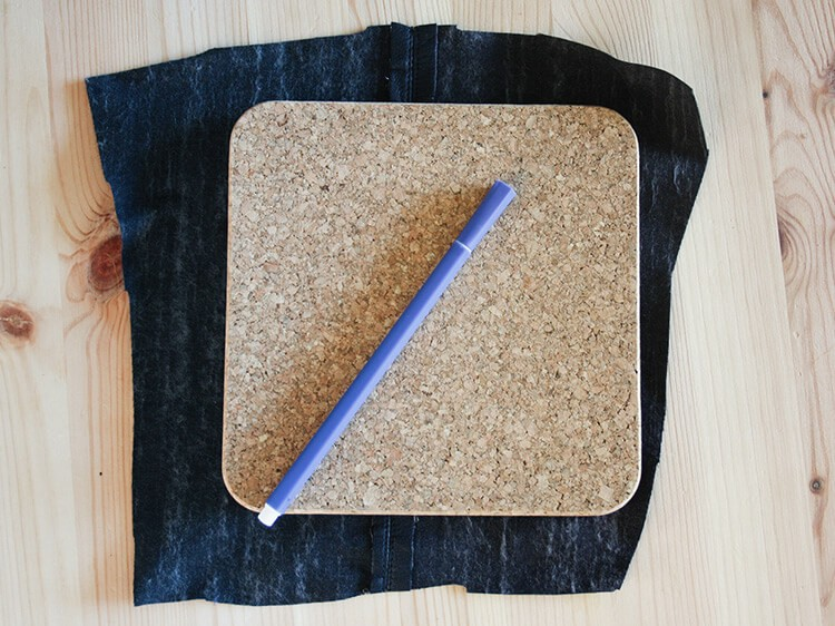 Préparation vide-poche mural en liège et cuir
