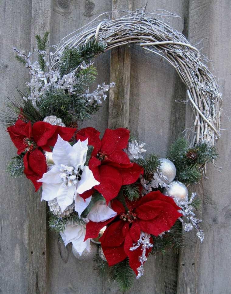 couronne-de-noel-branches-givrees-fleurs