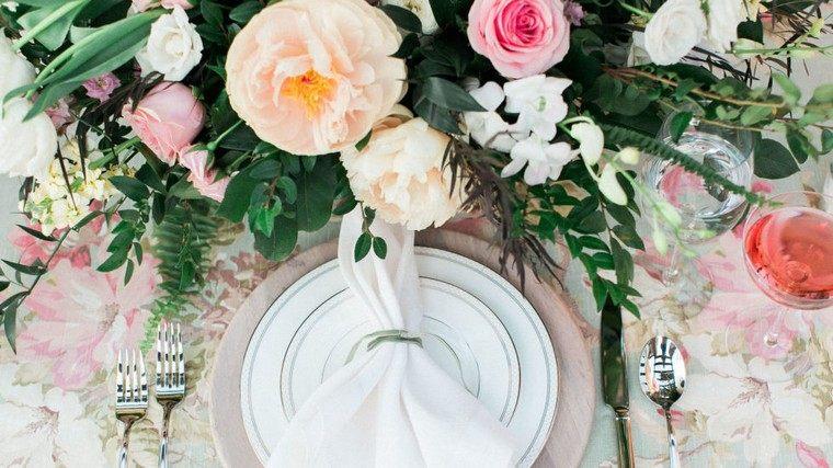 déco fête de pâques idée déco table printemps fleurs déco originale