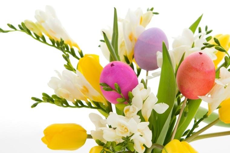 oeuf de pâques décoration bouquet fleurs