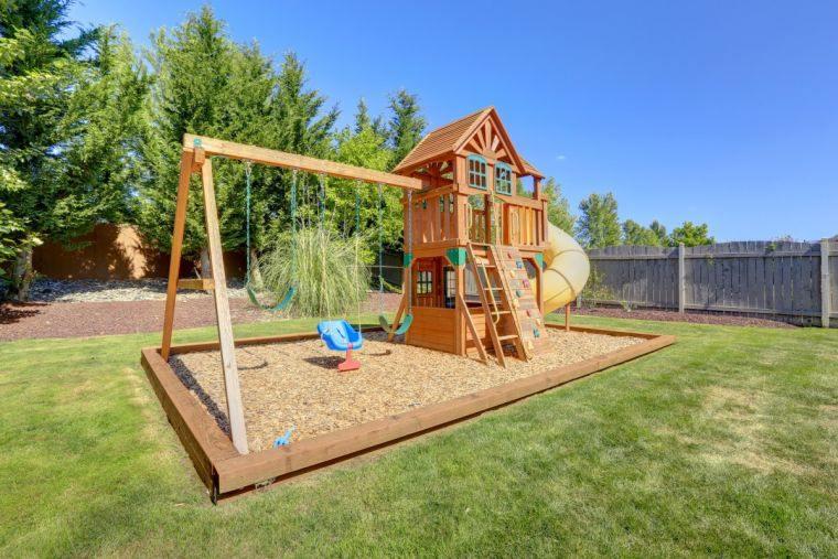 aire de jeux en bois exterieur-pour-enfant-a-faire-soi-meme