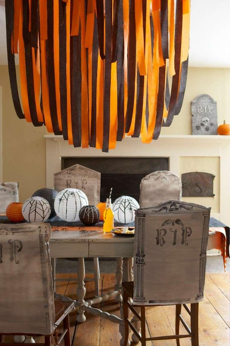 salle à manger déco table Halloween guirlande