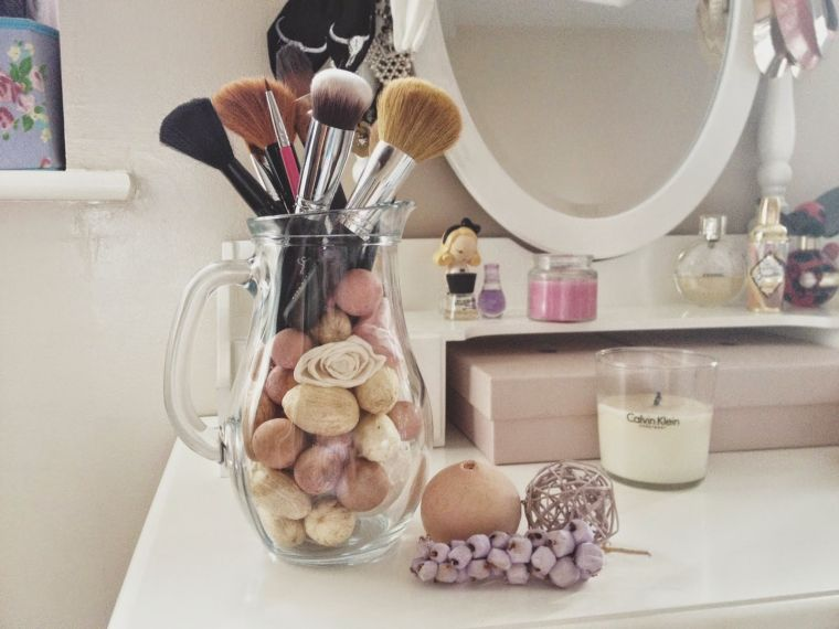 diy rangement chambre idee coiffeuse deco maquillage vase