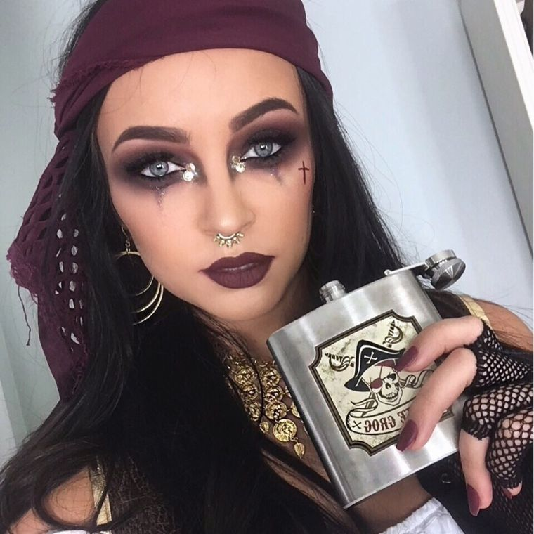 costume-halloween-pirate-femme-idee-maquillage