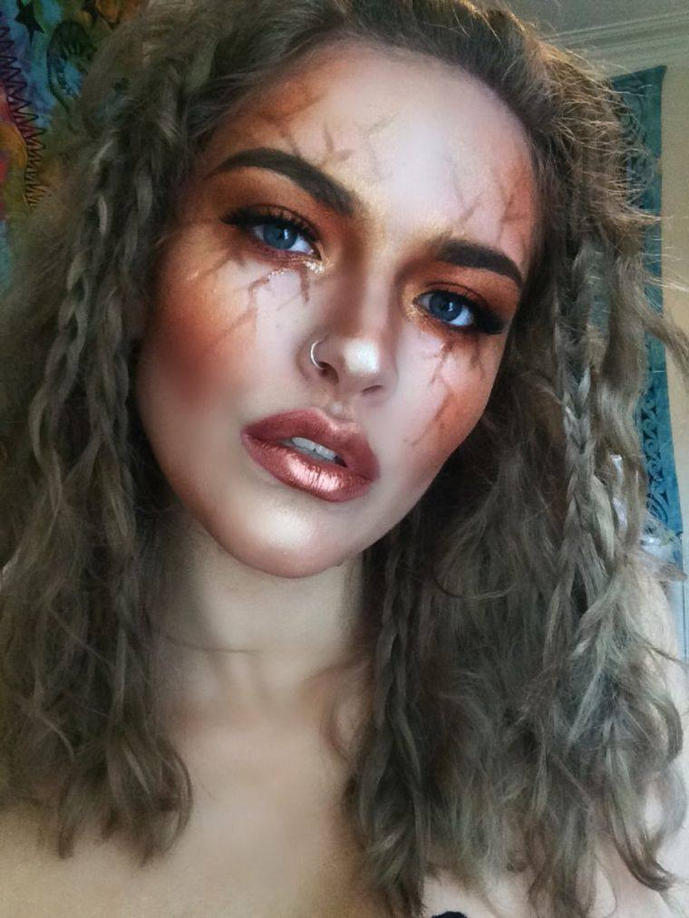 deguisement-original-halloween-femme-modele-instagram
