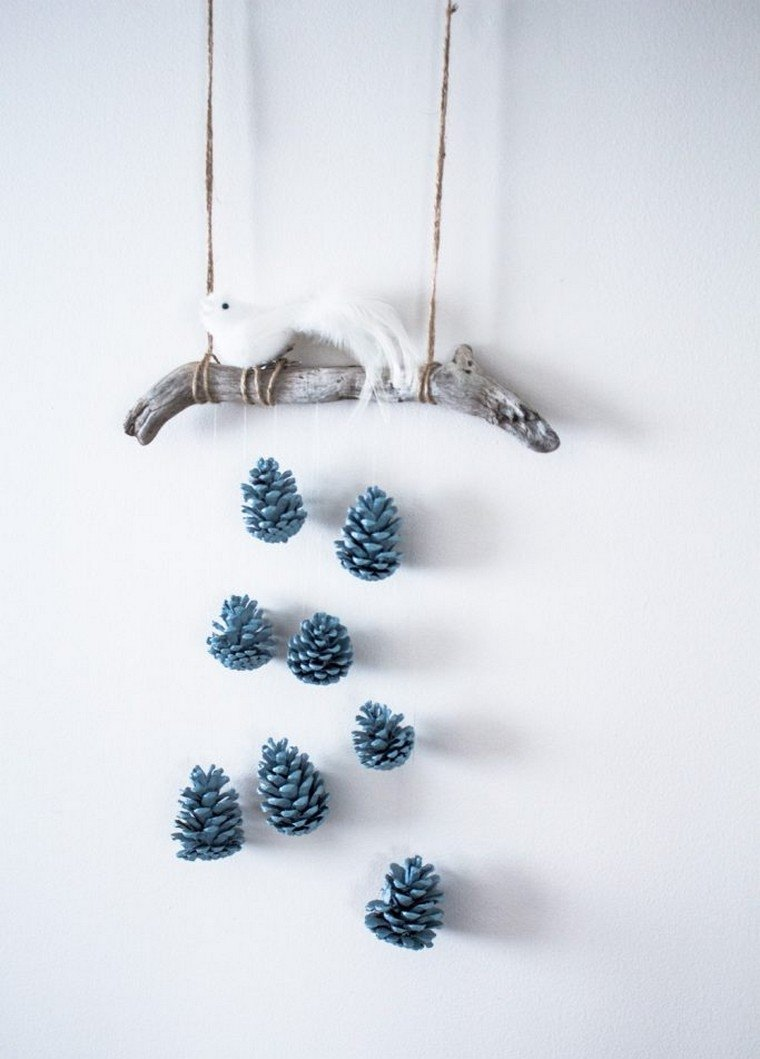 déco de Noël DIY pommes de pin suspension idée