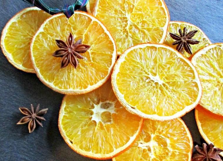tuto déco Noël guirlande orange idées ornement orange