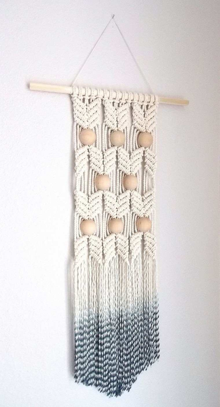 deco-mur-suspension-en-macrame-boho-chic