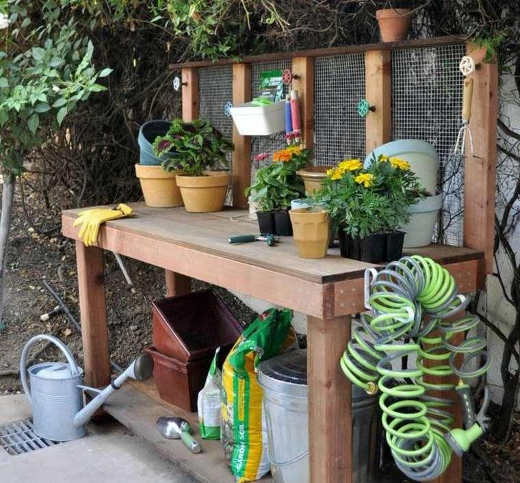 diy-rangement-jardin-outils-pots-de-fleurs-bois