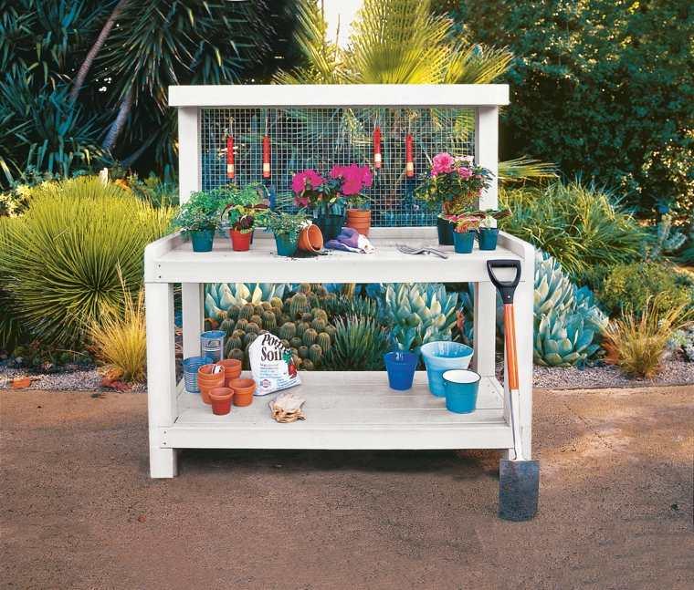 fabriquer-rangement-outil-jardin-table-etagere