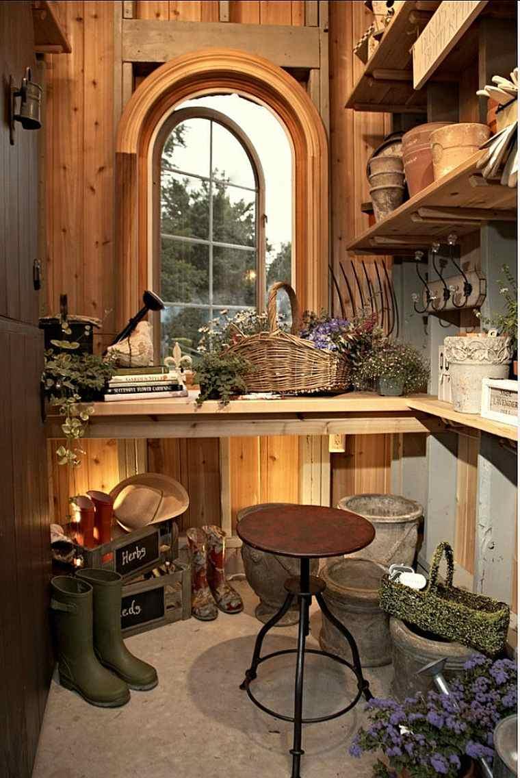 fabriquer-un-rangement-abri-de-jardin-bois-outils-modele
