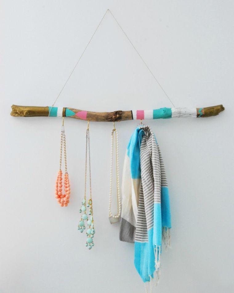 idee-deco-bois-flotte-crochets-cles-tuto