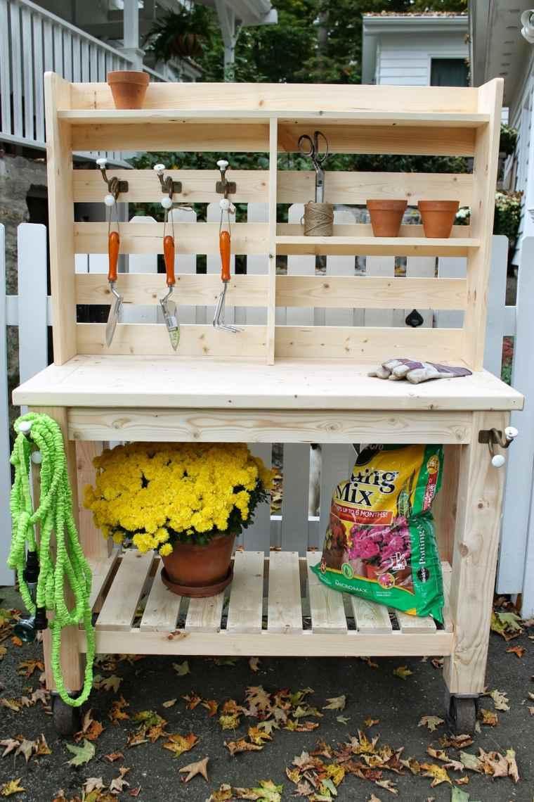 idee-rangement-diy-outils-jardin-meuble-bois