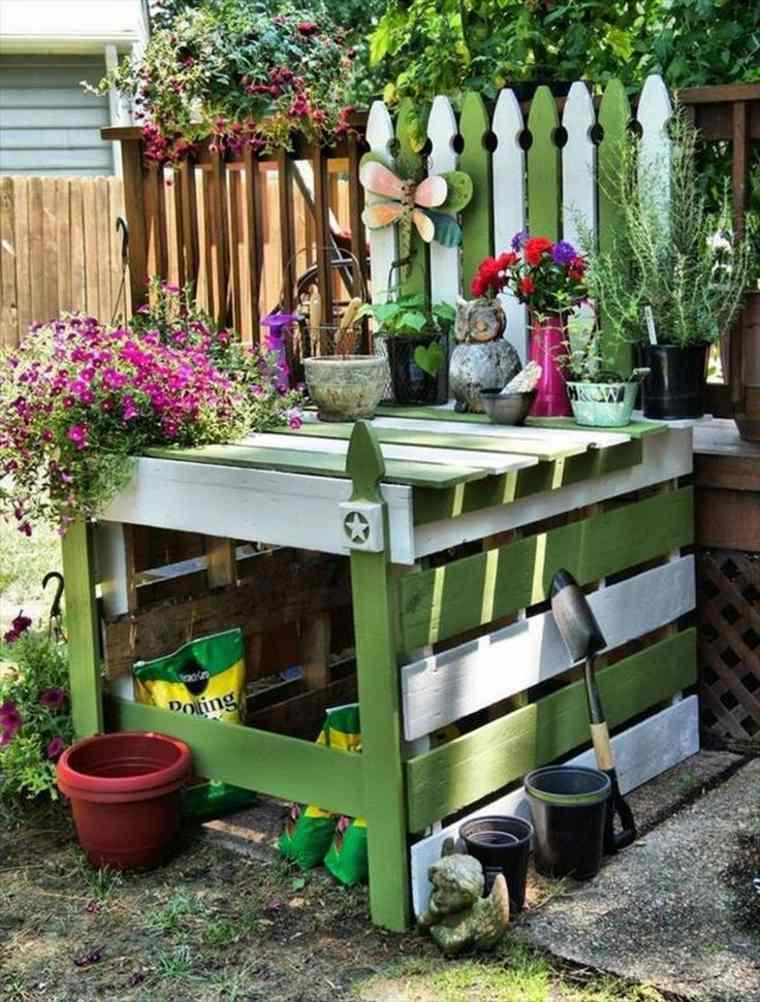 meuble-en-palette-ranger-outils-de-jardin-idee