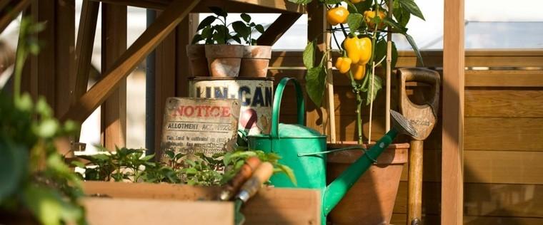 meuble-jardin-diy-rangement-exterieur-jardinage